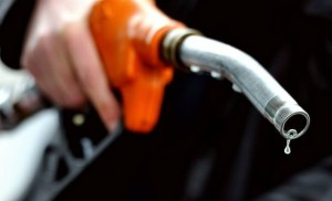 پٹرول کی قیمت میں ا ضا فے کی تجویز