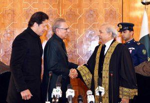 جسٹس گلزار احمد نے چیف جسٹس پاکستان کے عہدے کا حلف اٹھا لیا