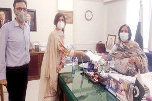 حسین لاکھانی ٹرسٹ کی جانب سے مریضوں کی نگہداشت کیلئے وینٹی لیٹرز کا عطیہ