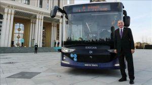 ترک صدر نے ڈرائیور کے بغیر چلنے والی پہلی برقی بس کا افتتاح کردیا