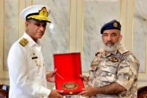 پاکستانی نیول چیف ایڈمرل محمد امجد خان نیازی سرکاری دورے پر قطر پہنچ گئے
