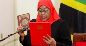 سامعہ حسن نے تنزانیہ کی پہلی خاتون صدر کا حلف اٹھا لیا